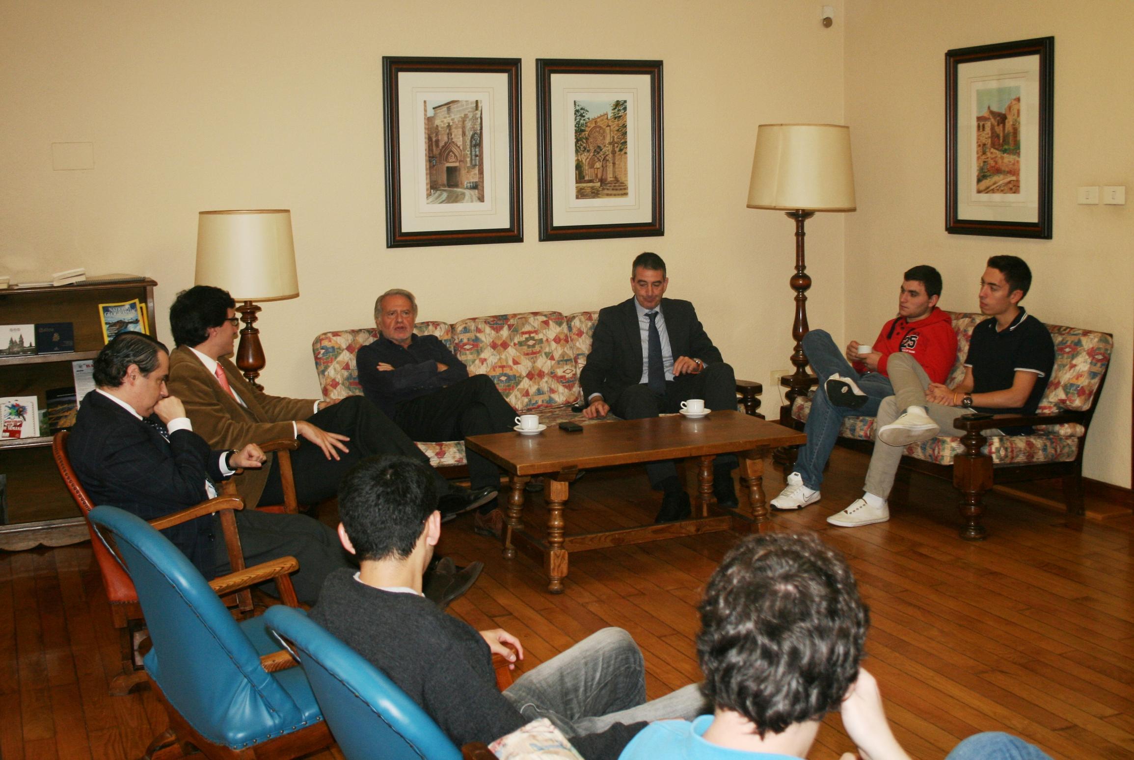 Tertulia con Luis Caramés, Catedrático de Economía Aplicada de la USC 2013