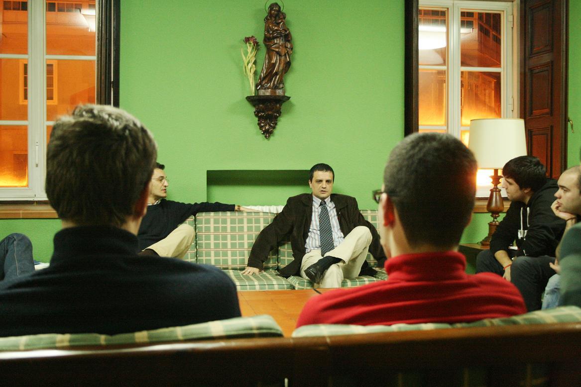 La Productora Ejecutiva de la película Celda 211 visita el Colegio Mayor