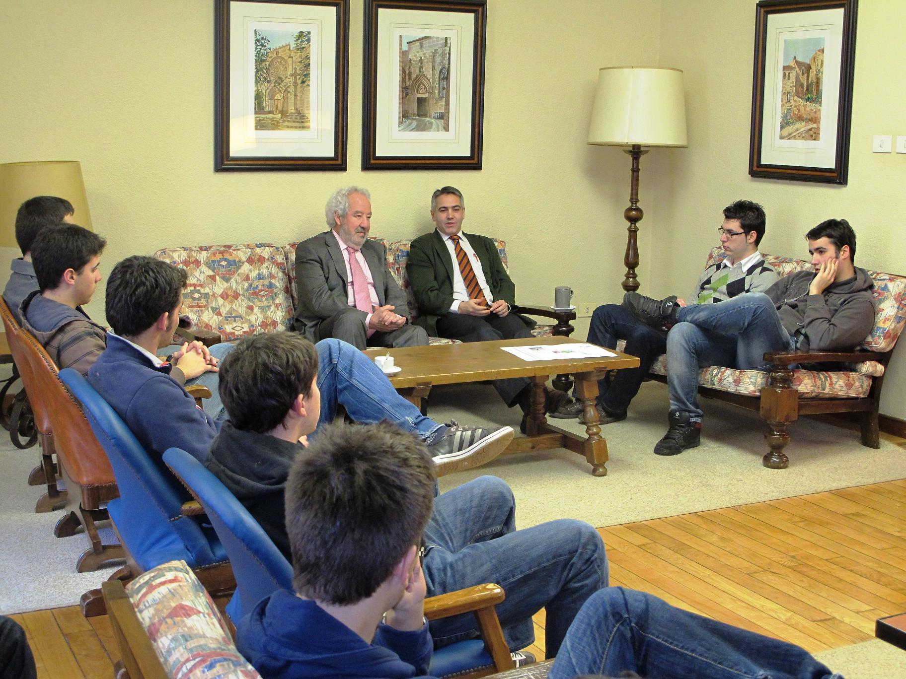 Javier Vidal, Director Noroeste de la Sociedad General de Autores (SGAE)  visita el Colegio Mayor La Estila para hablar de cómo funciona la SGAE.