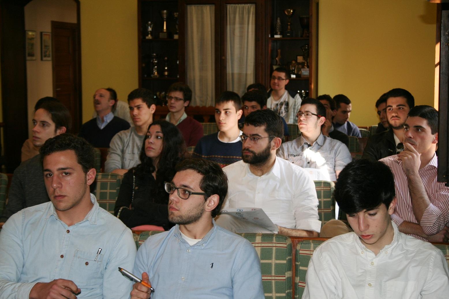 El Colegio Mayor celebra la fase final gallega de la 48º edición del Congreso Universitario Foro Univ´15