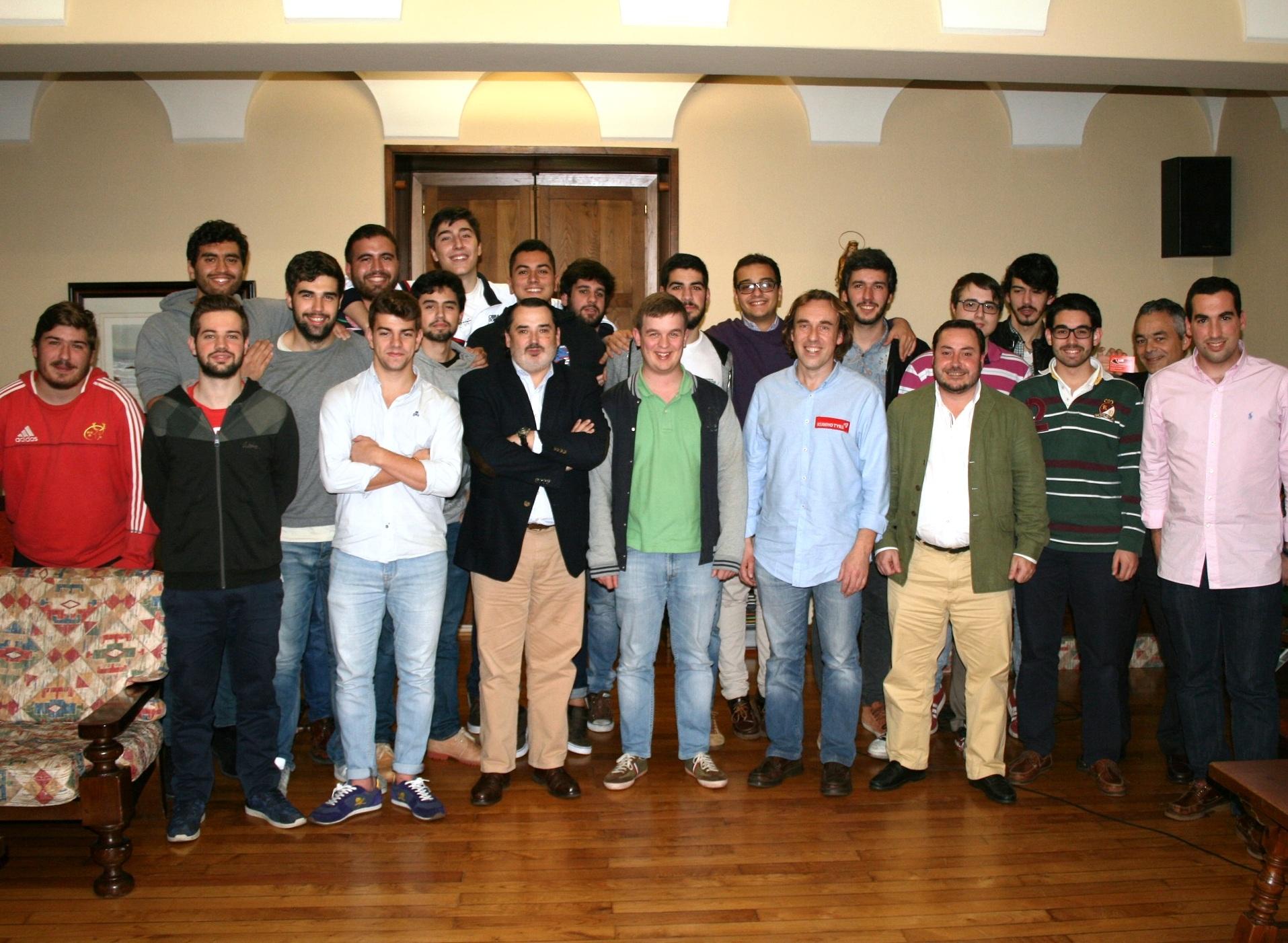 Luis Penido, Campeón Gallego de Rallys, visita el Colegio Mayor y mantiene un encuentro con los residentes