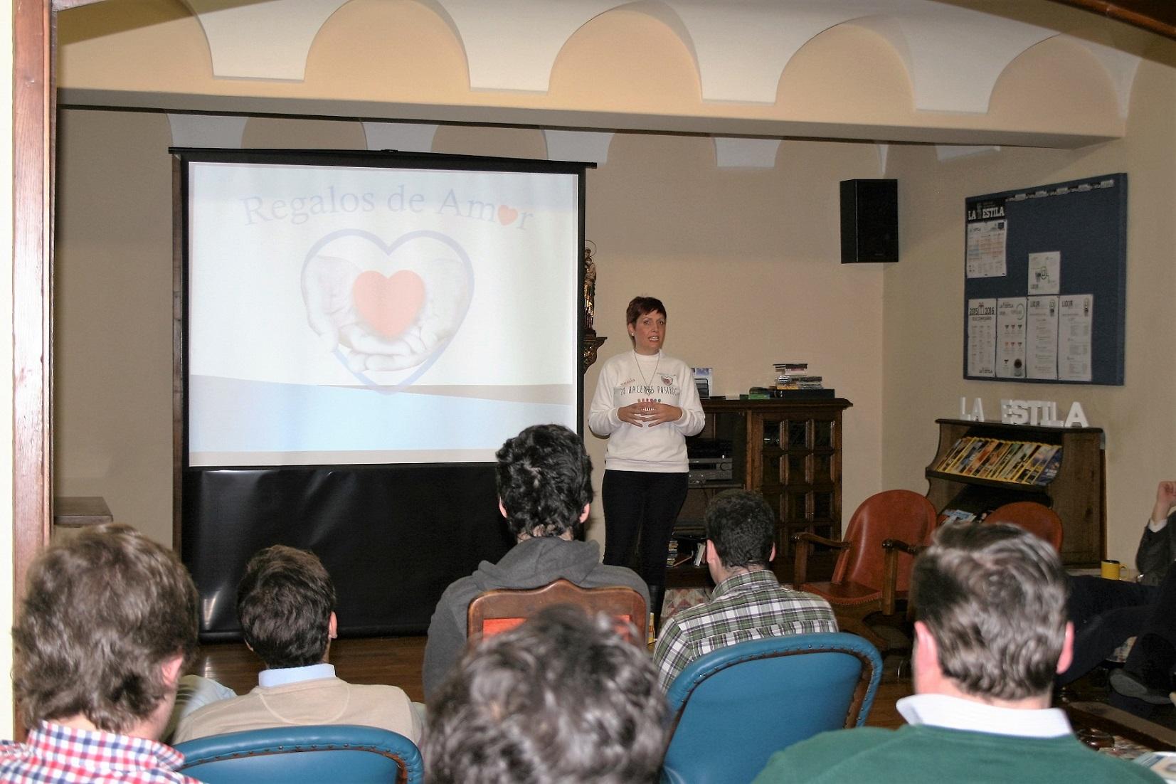 Tertulia con Rosario Cases, Presidenta y Fundadora de la ONG Regalos de Amor