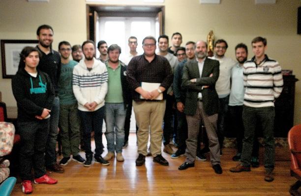 El periodista de El Correo Gallego Arturo Reboyras de tertulia en La Estila